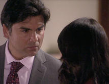 Gerardo le dice a Elena que le va a fastidiar la vida.