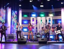 Tali Duclaud y Avenida Zero interpretaron el tema de la banda en el quinto show.