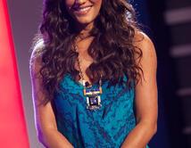 Gaby lució su cabello rizado que le dio un estilo muy fresco en el segundo show.