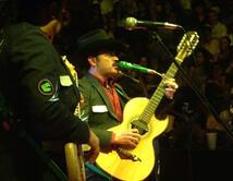 ¿Qué tema del cantante junto a Los Tucanes de Tijuana es tu preferido?