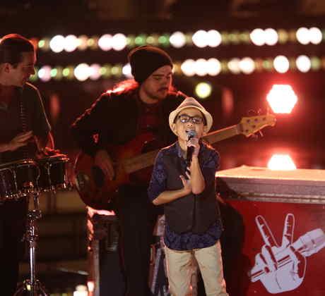 Jonael ensaya para la gala dos de la voz kids