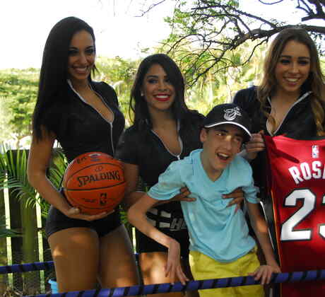 Bailarinas de Miami Heat en SOS Salva Mi Casa