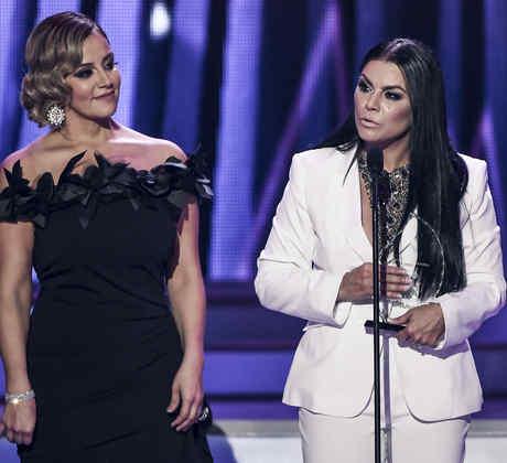 "Olga Tañón gana premio especial ""Legado Jenni Rivera""."