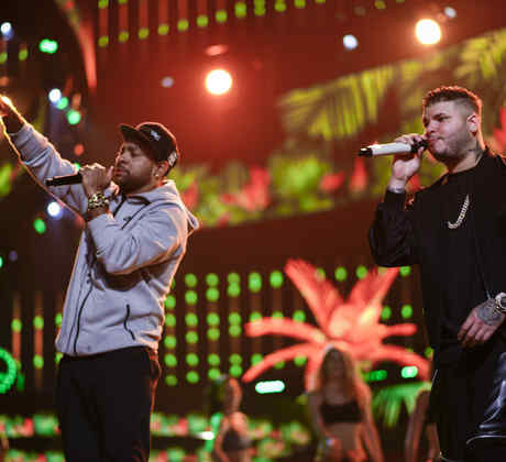 Shaggy and Farruko at the Latin American Music Awards 2015 rehearsals