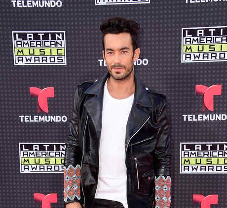 Aarón Díaz en la alfombra roja de los Latin American Music Awards 2015