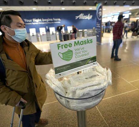 Mascarillas gratis en el aeropuerto de Seattle