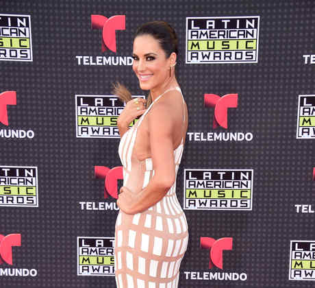 Gaby Espino on the red carpet of the Latin American Music Awards 2015