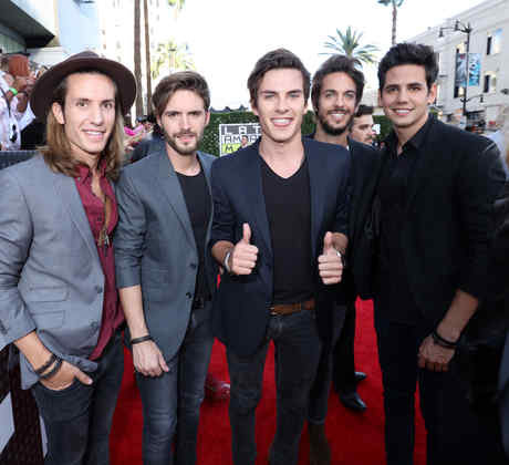 DVICIO - Latin American Music Awards Season 2015