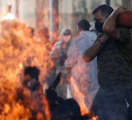 Incendio en un hospital de Bombay.