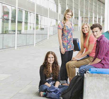 Grupo de estudiantes universitarios