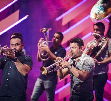 Banda Sinaloense MS de Sergio Lizárraga muy concentrados en ensayos Billboards 2017