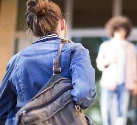 Jóvenes en escuela