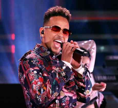 """Ozuna performs at """"The Tonight Show starring Jimmy Fallon"""""""