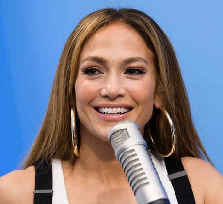 Jennifer Lopez en entrevista de radio