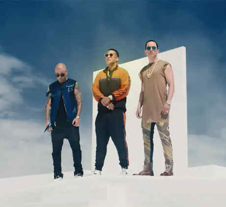"Daddy Yankee music video ""Si Supiera"""