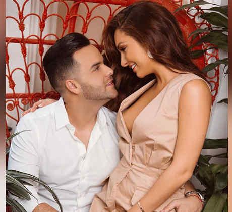 Kimberly Reyes y su esposo