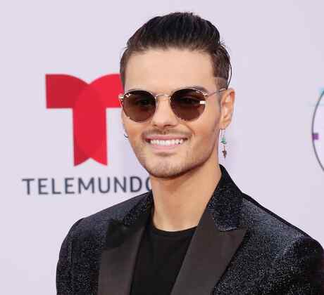 Abraham Mateo at the Latin AMAs