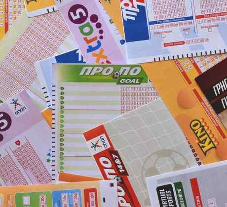 Enfermera gana 1 millón en la lotería
