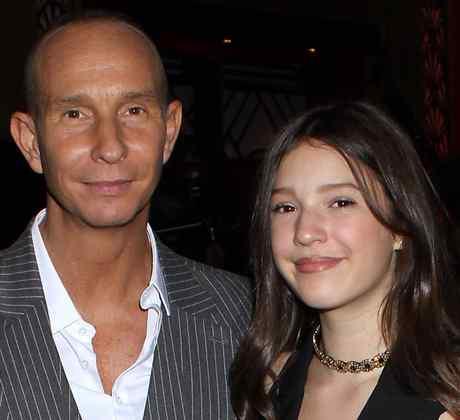 Erik Rubín y su hija Mía, y Eugenio Derbez