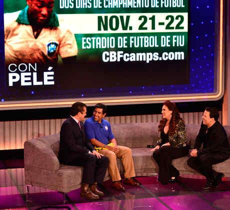 Gabriel Mejia recibe una sorpresa en Que Noche