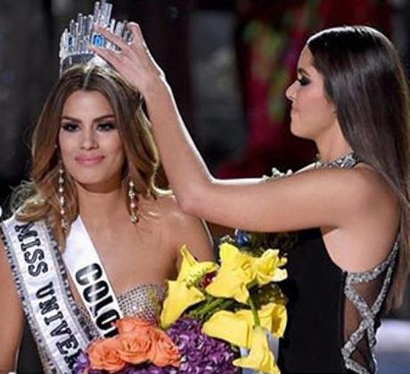 Miss Universo coronada por error como Miss Universo 2015