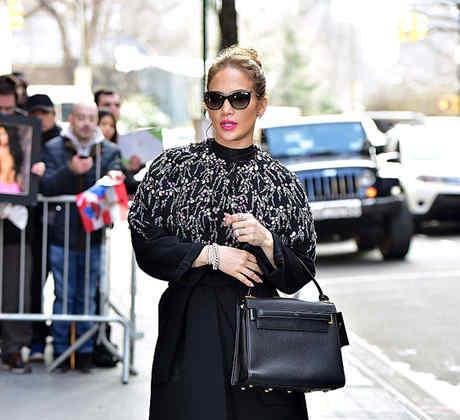 Celebrity Sightings in New York City - March 2, 2016, 2016Jennifer López llega a los estudios de la ABC en NY, con peinado recogido, abrigo y espejuelos para el sol