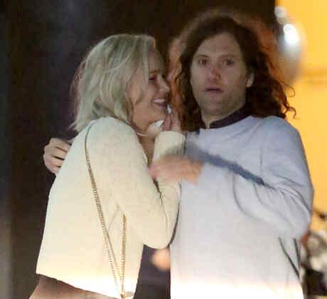 Jennifer Lawrence se reunió con un hombre misterioso afuera del Line Hotel en Los Ángeles California.