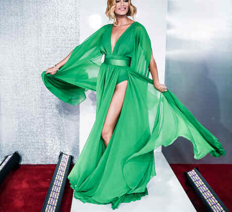 Zuleyca Rivera en la alfombra roja en Premios Billboard 2016