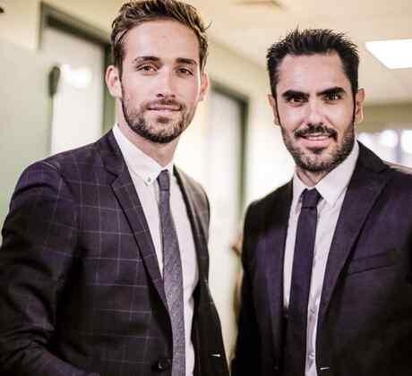 Mauricio Henao y Lincoln Palomeque en la alfombra roja de los Premios Billboard 2016