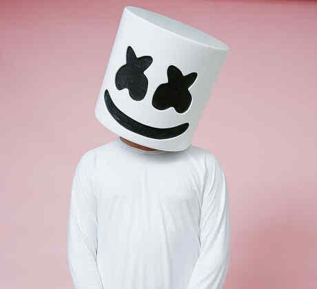 Marshmello en el backstage del festival Hot 100 de Billboard