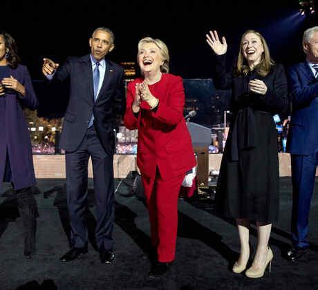La familia Obama apoya a la candidata Hillary Clinton