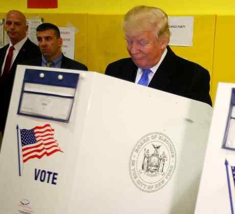 Candidato Republicano Donald Trump Votando