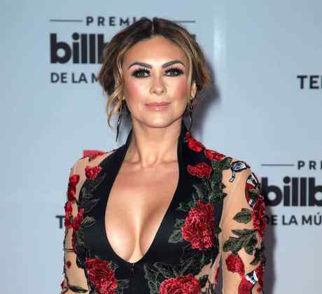 Aracely Arámbula en Billboard Latin Music Awards - Arrivals