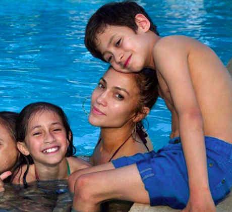 JLO y Alex Rodríguez con sus hijos