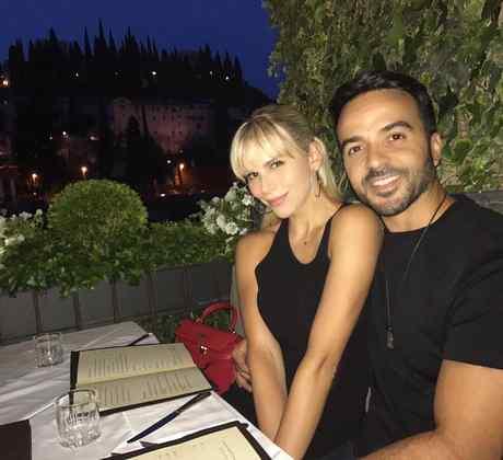 Águeda López  y Luis Fonsi cenando