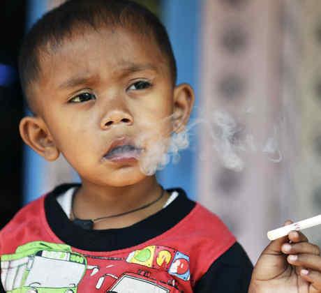 Niño fumador