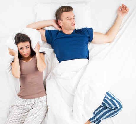 Una pareja durmiendo