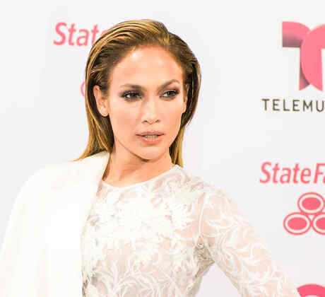 Jennifer Lopez, white carpet Latin Billboards 2015