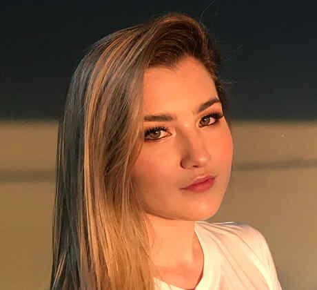 Melanie Carmona
