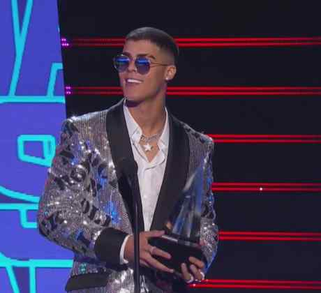 2019 Latin AMAs: Lunay Reveals What Keeps Him Grounded