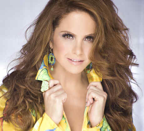 Lucero to host I Am The Artist
