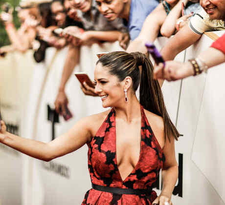Sabrina Seara en la alfombra de los Premios Billboard 2016