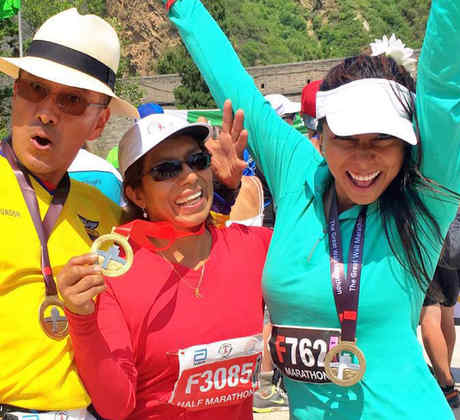 """Nadia Ruiz corre el maratón de la muralla China junto a su familia gracias a """"¡Qué Noche!"""