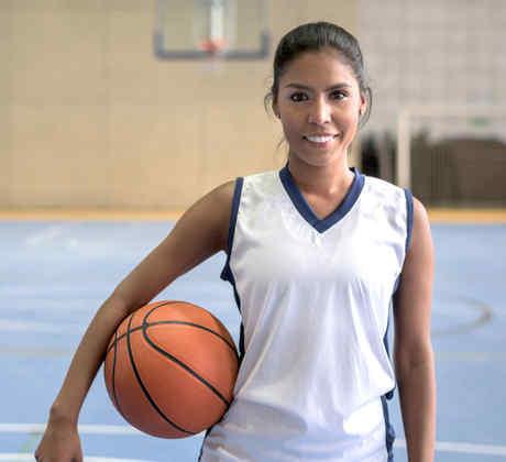 Jugadora latina de basketball