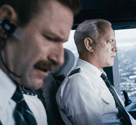 """Tom Hanks y Aaron Eckhart son los héroes de la película """"Sully"""""""