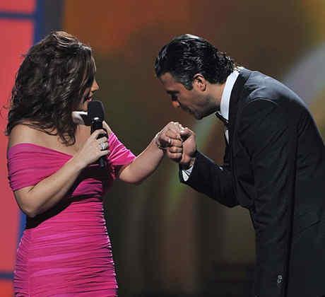 Angélica Vale y Jaime Camil en los Premios Lo Nuestro en el 2011