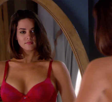 Monica Spear, rostro, actuación, rojo, club de novelas