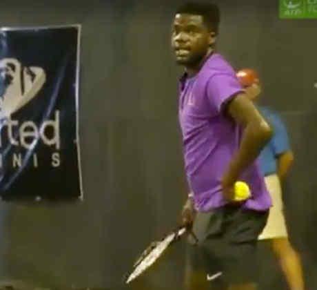 Gemidos sexuales en un partido de tenis (VIDEO)