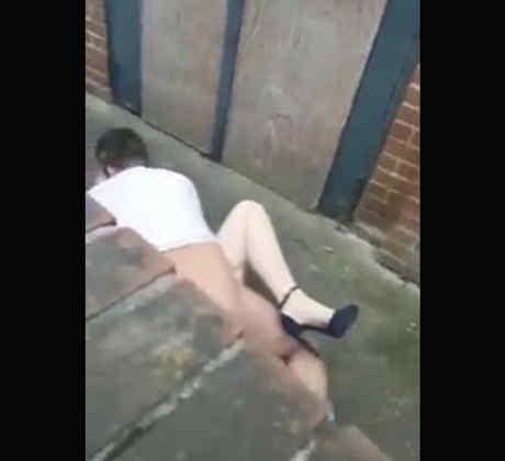 Una pareja fue sorprendida teniendo sexo Barnsley (VIDEO)