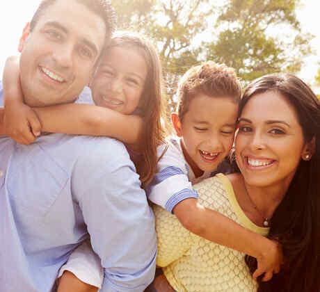 Reunión de familia latina